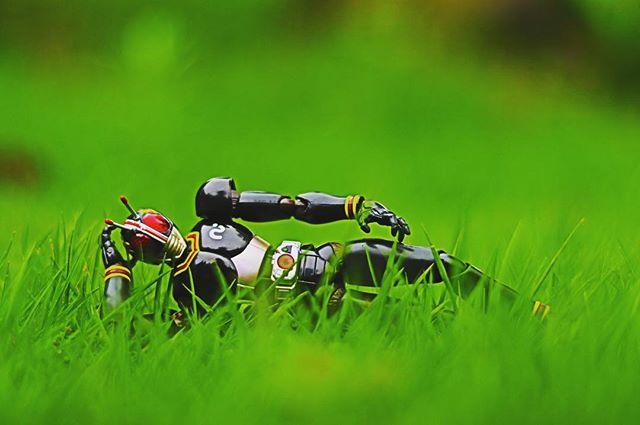 暑い日は働きたくないでござる。#仮面ライダー #black#ブラック#一眼レフ#ファインダー越しの私の世界#フィギュアーツ #フィギュアーツ写真部#フィギュア撮影友の会#特撮 #フィギュア #ミニチュア #オモ写#maskedrider #figma#toycrewbuddies#toyoutsiders#toysphoto#toysphotography#figure#figmaniatfigurine#figmagram#toyplanet#toyoutsiders#9000d