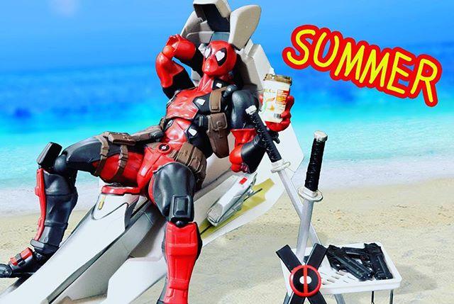 「夏休み?何それ、美味しいの??」#豆魚雷オモ写#オモ写#夏休み#デッドプール#Deadpool#マーベル#一眼レフ#海洋堂#ファインダー越しの私の世界#フィギュア #リボルテック#Revoltech#marvel#toysphoto#toysphotography#figure#toyplanet#9000d