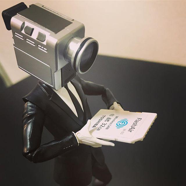 「入るかな??」#カメラ男#オモ写#ファインダー越しの私の世界#フィギュア #figma#toysphoto#toysphotography#figure#toyplanet#9000d