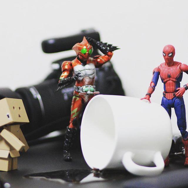 大雨だったなー( ´・ω・`)今日は晴れるといいなー(●´ω`●) #オモ写#スパイダーマン#Spiderman#マーベル#一眼レフ#ファインダー越しの私の世界#フィギュア#marvel#toysphoto#toysphotography#figure#toyplanet#9000d#仮面ライダー#アマゾンズ#アルファ#フィギュアーツ #フィギュアーツ写真部#フィギュア撮影友の会#特撮 #maskedrider #figma#ダンボー