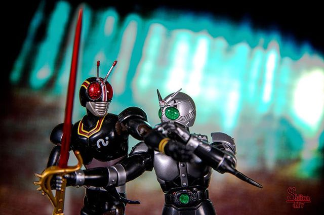 永遠のライバルですわー(=´∀`)人(´∀`=) #仮面ライダー#Black#シャドームーン#オモ写#一眼レフ#ファインダー越しの私の世界#フィギュアーツ #フィギュアーツ写真部#figma#フィギュアーツ #toysphoto #toysphotography #figure #igmacro #toyartistry_and_beyond #toysyndicate #toyoutsiders #toyphotoawards #toycollective #geek #toysyn #toys #collectibles #toyphotoawards #toy #actionfigure #toys4life #articulatedcomicbookart #toyplanet #6D2 #デジラマ #オモ写で遊ぼ!